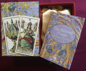 Edoardo Dotti tarot box and booklet